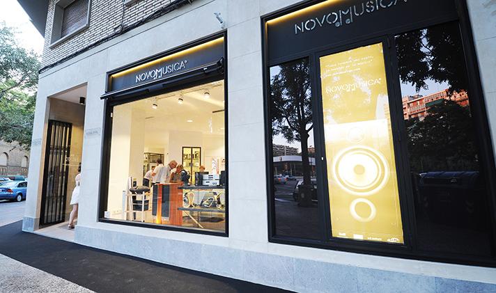 Zaragoza acoge la primera tienda inteligente de espa a que - Hoteles modernos espana ...