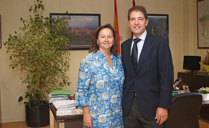 Matilde Basarán, directora general de Calidad e Impacto Ambiental de la Junta de Castilla-La Mancha, y Óscar Martín, consejero delegado de Ecoembes