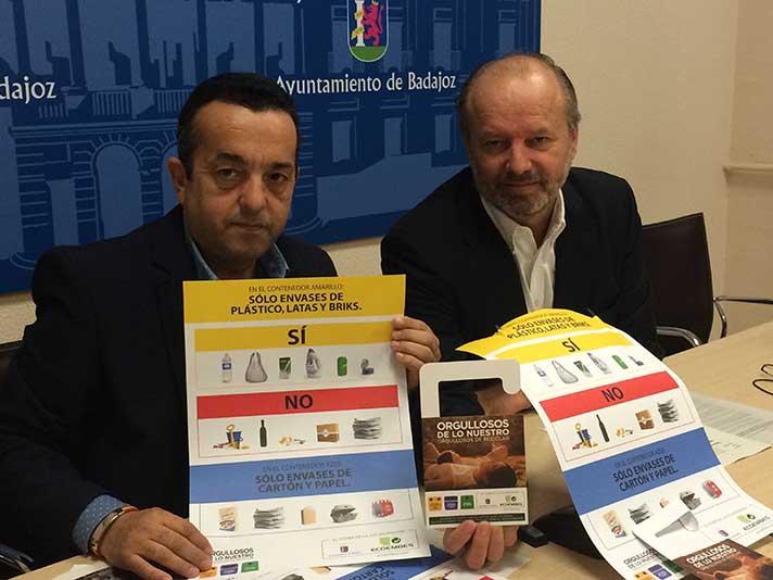 De izquierda a derecha: Antonio Ávila, Concejal de Medio Ambiente del Ayuntamiento de Badajoz y Juan Alonso de Velasco, gerente de Marketing de Ecoembes