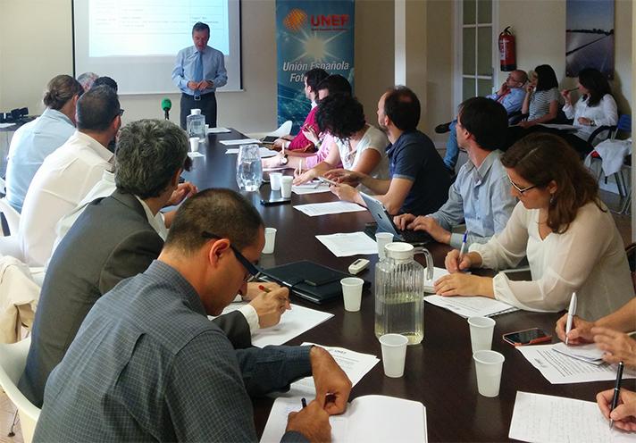 UNEF explicó a los medios de comunicación nuevo proyecto de RD para regular el autoconsumo eléctrico
