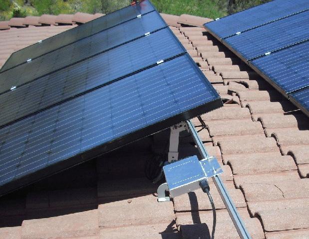 El autoconsumo propicia la reducción de emisiones y el incremento de consumo de energía renovable, y ayuda a reducir la dependencia energética del exterior