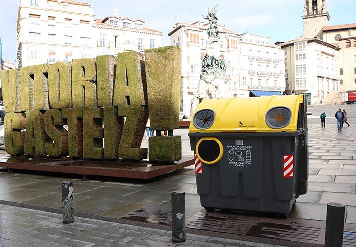 Contenur ha sido la empresa elegida para la renovación del parque de contenedores de Carga Lateral de Vitoria