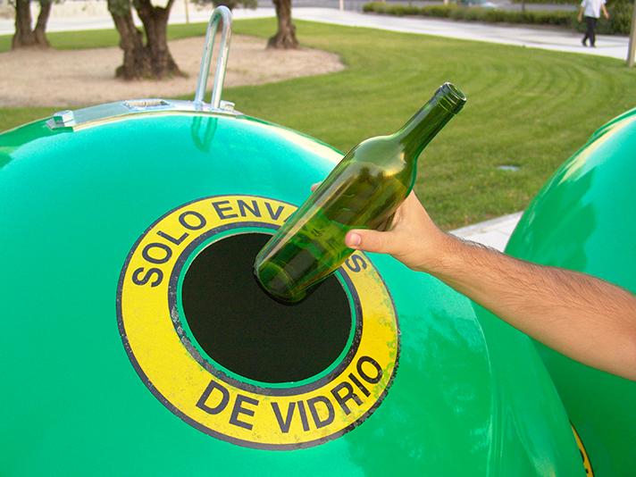 Ecovidrio, Universia y la Universidad Complutense ponen en marcha Vidrio Fighters, una competición de recogida de vidrio entre facultades