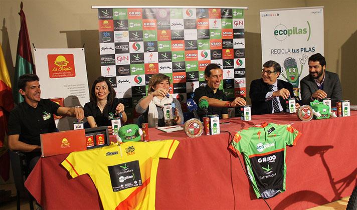 Presentación del equipo profesional de ciclismo de montaña Extremadura-Ecopilas