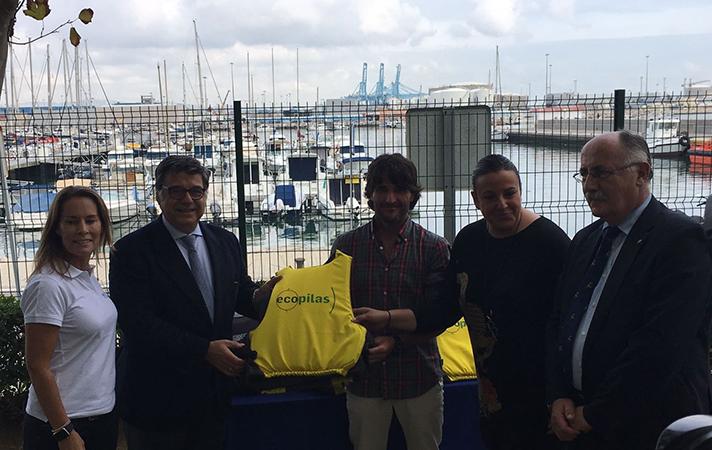 Ecopilas y ECOMAR han promovido la protección de las costas españolas mediante la instalación de contenedores en 64 centros