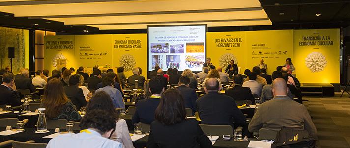 ASPLARSEM ha celebrado en Madrid su jornada bienal 'Los envases en el horizonte 2020',en la que expertos han debatido sobre la proyección del sector de la gestión de residuos y la economía circular