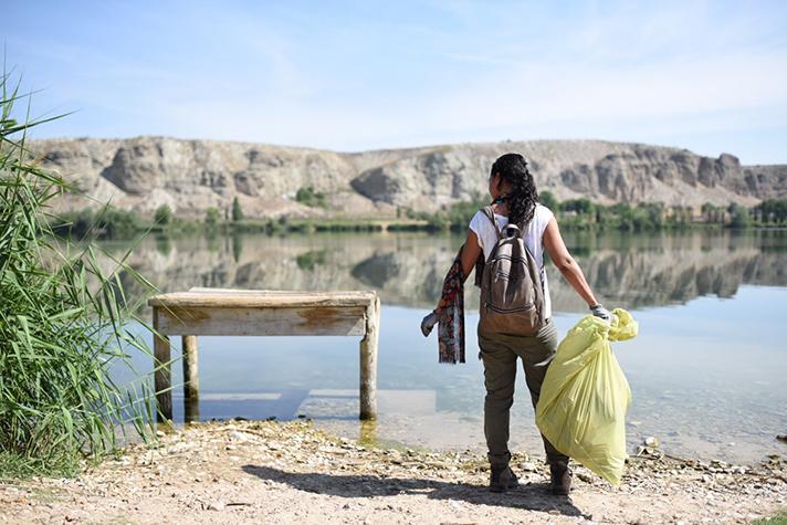 La campaña busca acabar con el abandono de basura en espacios naturales
