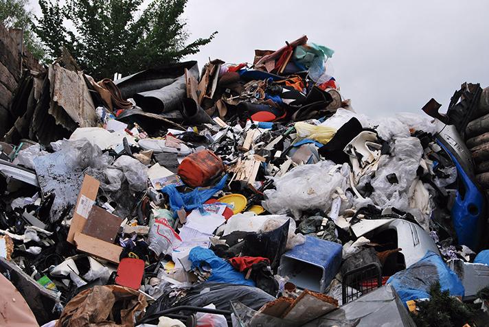 Valorización de residuos plásticos no reciclables para obtención de productos químicos