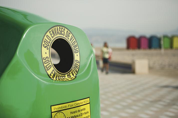 Una segunda oportunidad para los contenedores de reciclaje de vidrio