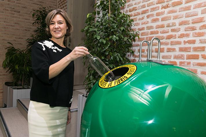 La Ministra de Agricultura y Pesca, Alimentación y Medio Ambiente, Isabel García Tejerina, en los Premios Periodísticos de Ecovidrio