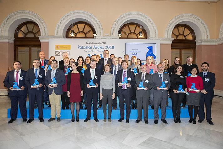 Todos los premiados en la segunda edición de Pajaritas Azules de ASPAPEL