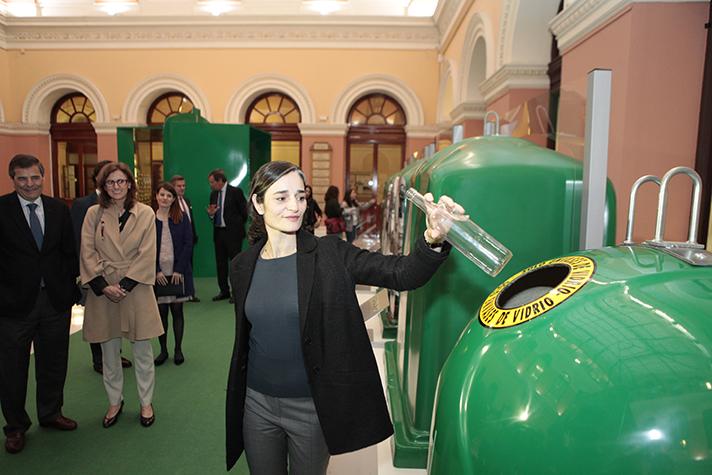 Cada español recicló una media de casi 17 kilogramos de vidrio por habitante, 64 envases por persona