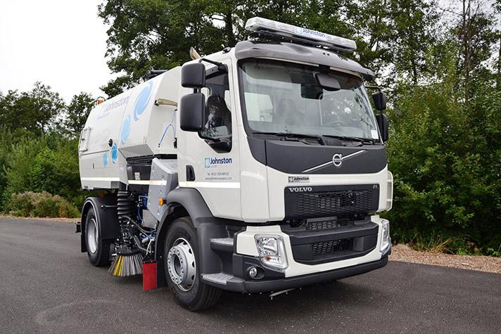 Primera barredora hidrostática Volvo con transmisión automática Allison