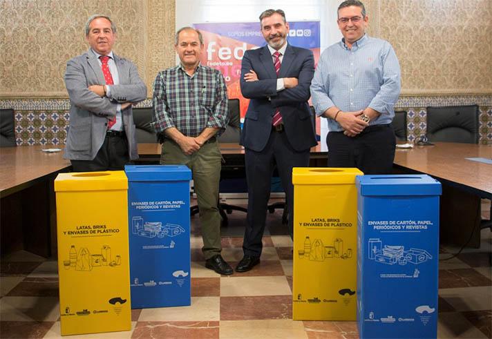 Ambas entidades quieren implantar la recogida de envases domésticos con la instalación de puntos de reciclaje amarillos y azules