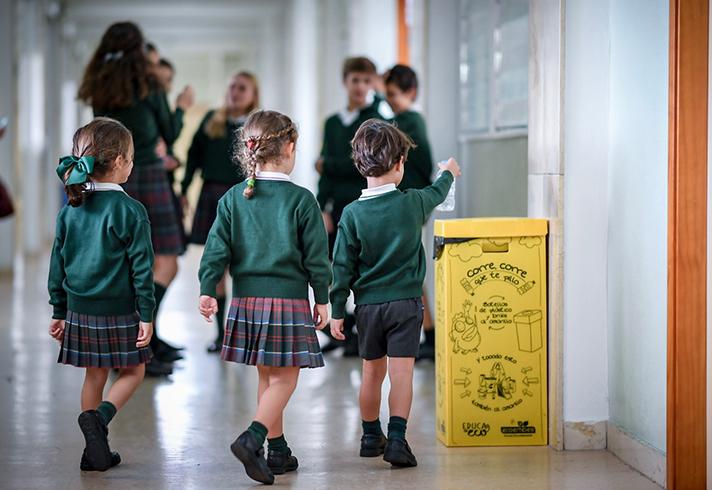 215 docentes de 24 colegios madrileños y 7 riojanos participan en el piloto del proyecto durante el primer trimestre de este curso escolar