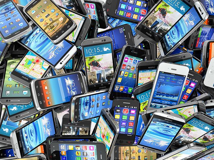 El 40% de los españoles no sabe que los móviles dañan el medio ambiente