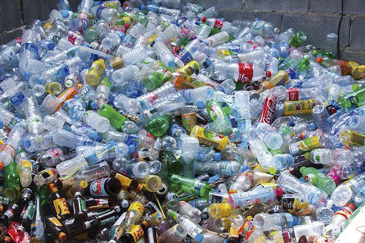 En total, la tasa de recuperación de residuos plásticos en 2016 en España ha alcanzado el 54%
