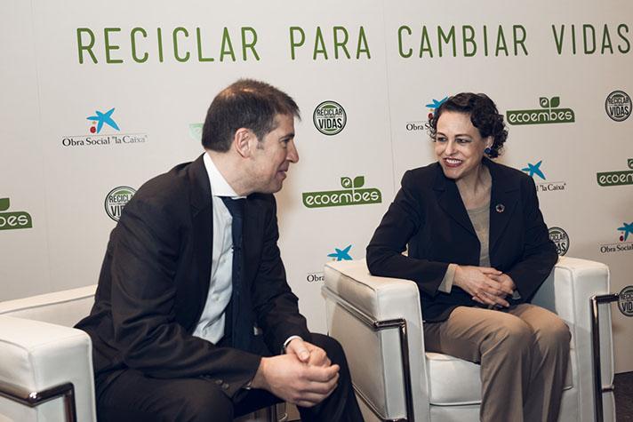 Magdalena Valerio, Ministra de Trabajo, Migraciones y Seguridad Social, y Oscar Martín, consejero delegado de Ecoembes