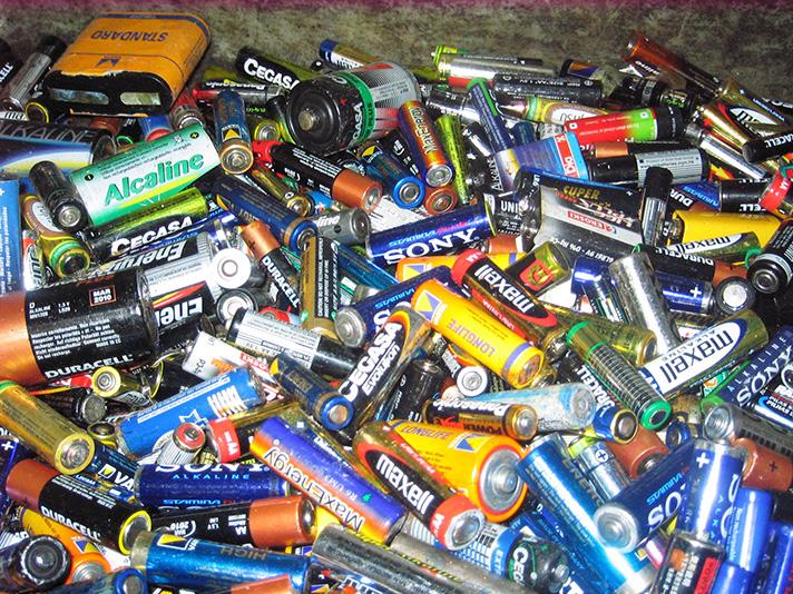 Un estudio evidencia que el objetivo europeo de recogida de pilas no es coherente con la cantidad de residuos generados