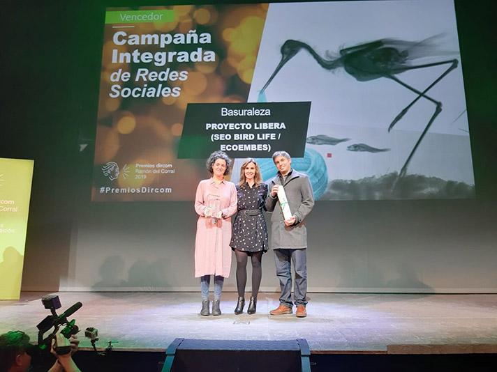 """LIBERA recibe el premio Dircom Ramón del Corral por su campaña """"Basuraleza"""""""
