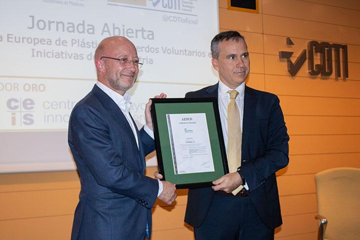 Contenur, primera empresa española en obtener el certificado AENOR en Operation Clean Sweep (OCS)