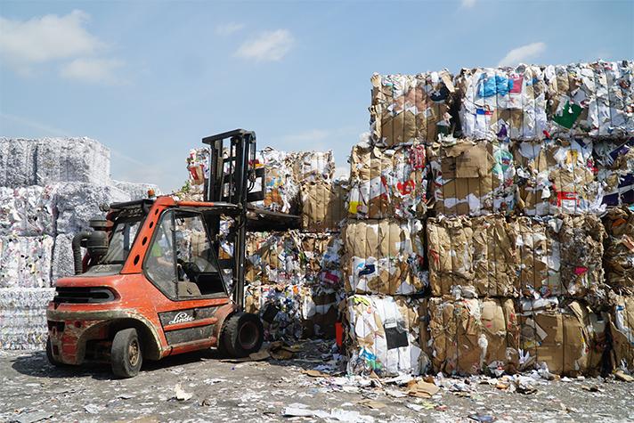 Las empresas encargadas de transformar residuos en recursos corren el riesgo de colapsar