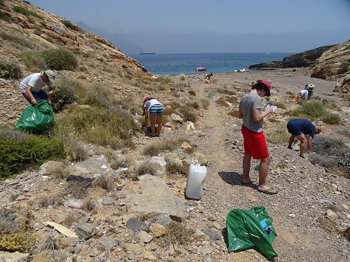 Cuenta atrás para acabar con la basuraleza de las costas con '1m2 por las playas y los mares'