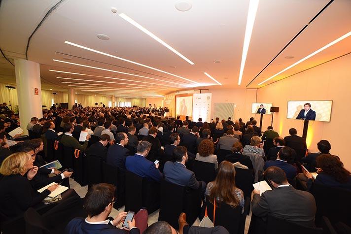 Más de 700 asistentes procedentes de 13 países diferentes han participado en las dos jornadas del Foro Solar