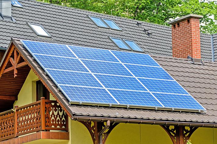 """PV Solar es una compañía energética de autoconsumo para comunidades. Su lema es """"quien tiene un tejado, tiene un tesoro"""""""