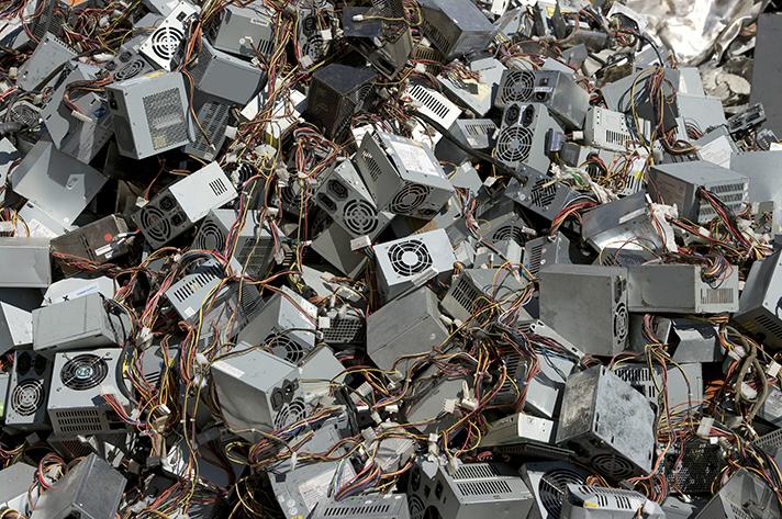 ERP recomienda extremar las medidas de higiene y seguridad en la entrega de residuos de equipos eléctricos y pilas
