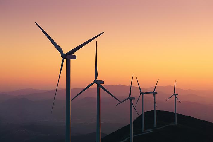 El sector eólico ofrece 12 medidas al Gobierno para el relanzamiento económico en España