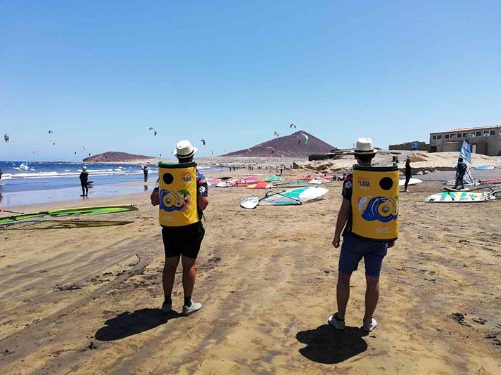 Recorrerá las playas de Canarias, Galicia y Comunidad Valenciana con educadores ambientales que facilitarán el reciclaje de latas