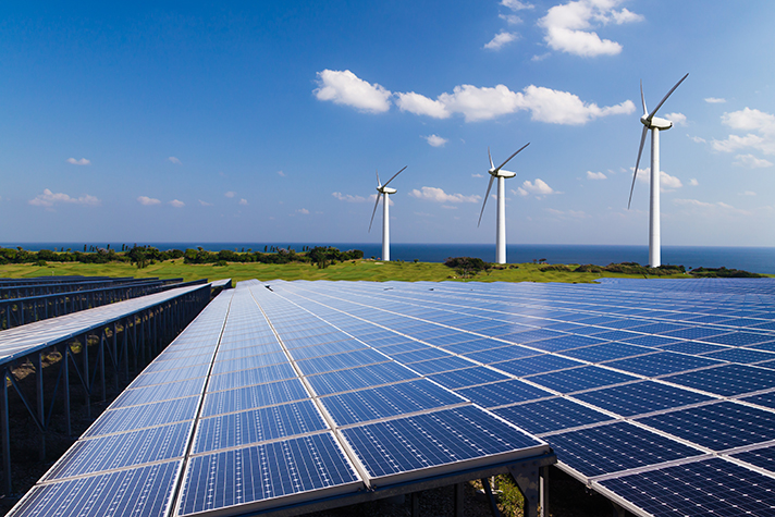La potencia de las instalaciones operativas de energía eólica y solar superó los 35.000 megavatios a finales de 2019