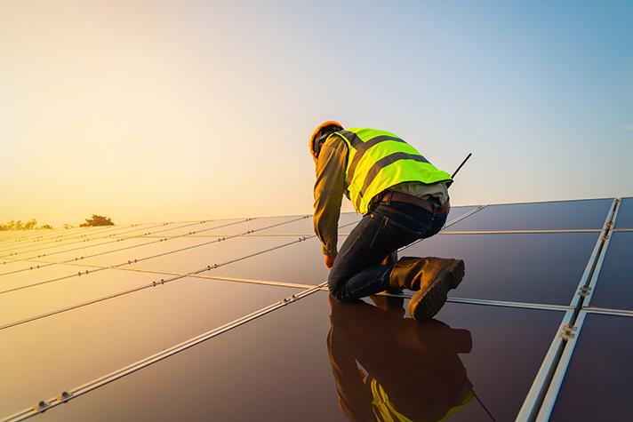 UNEF celebra el Real Decreto de subastas de renovables