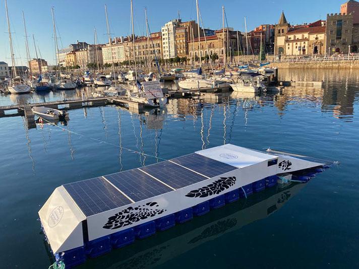 Mares Circulares prueba con éxito el prototipo Clean-Dock para la limpieza de microplásticos en puertos