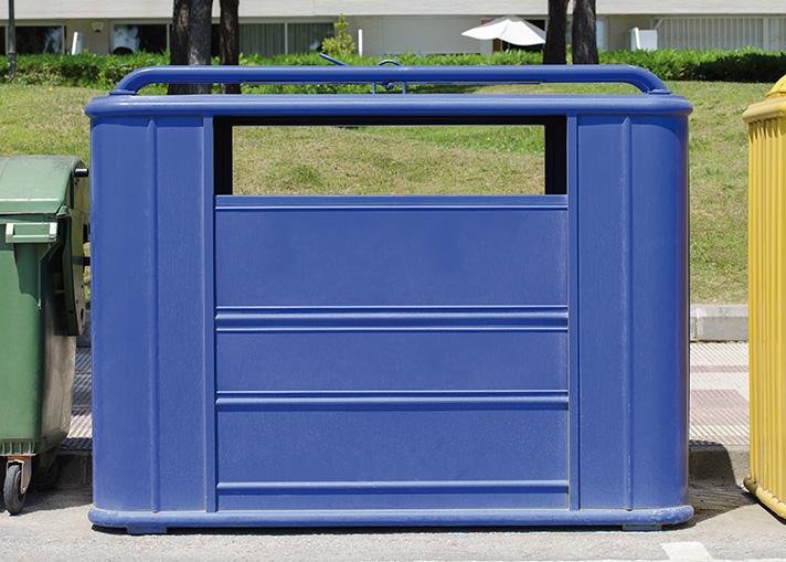 El contenedor azul está huérfano