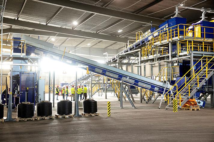 Stadler y Tomra crean en Malmoe (Suecia) la primera planta de clasificación textil del mundo totalmente automatizada