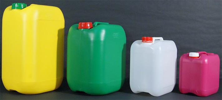 Jerricanes fabricados por Plásticos Guadalaviar, empresa que participa en el proyecto REFUPLAS