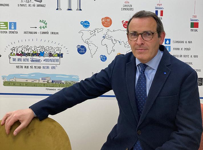 El nuevo presidente de AIPEX, Carlos Vila, es Director Comercial de Danosa para España y Portugal y lleva más de 30 años en el sector