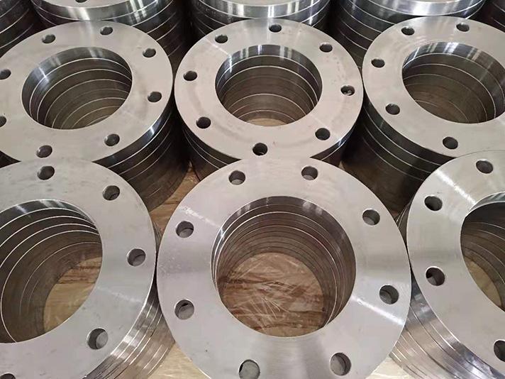 Llaberia Group: Bridas metálicas galvanizadas