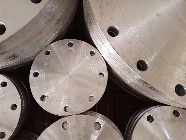 Las bridas metálicas galvanizadas se han convertido en uno de los productos más solicitados por la cartera de clientes de Llaberia