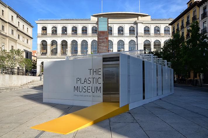 El alcalde de Madrid inaugura The Plastic Museum