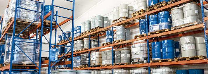 Almacena tus productos químicos de forma segura siguiendo el reglamento APQ