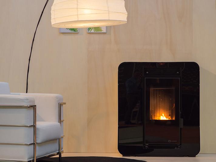 343.000 viviendas se calientan con estufas y calderas de biomasa de forma independiente