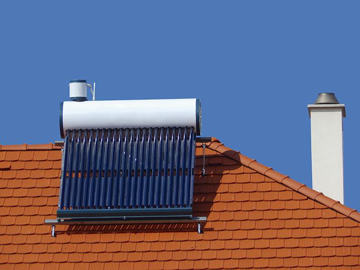 El mercado de energía solar térmica registró un descenso del 5,5% durante el pasado año 2015