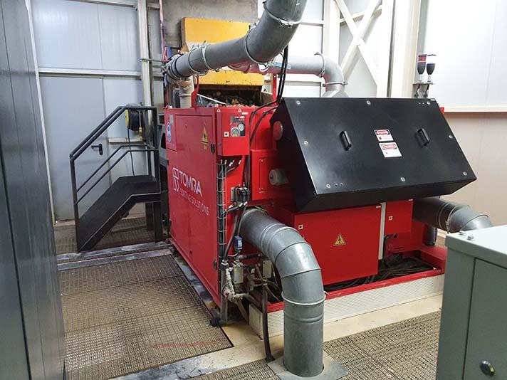 La tecnología de clasificación Láser multicanal de Tomra permite producir cuarzo de alta pureza
